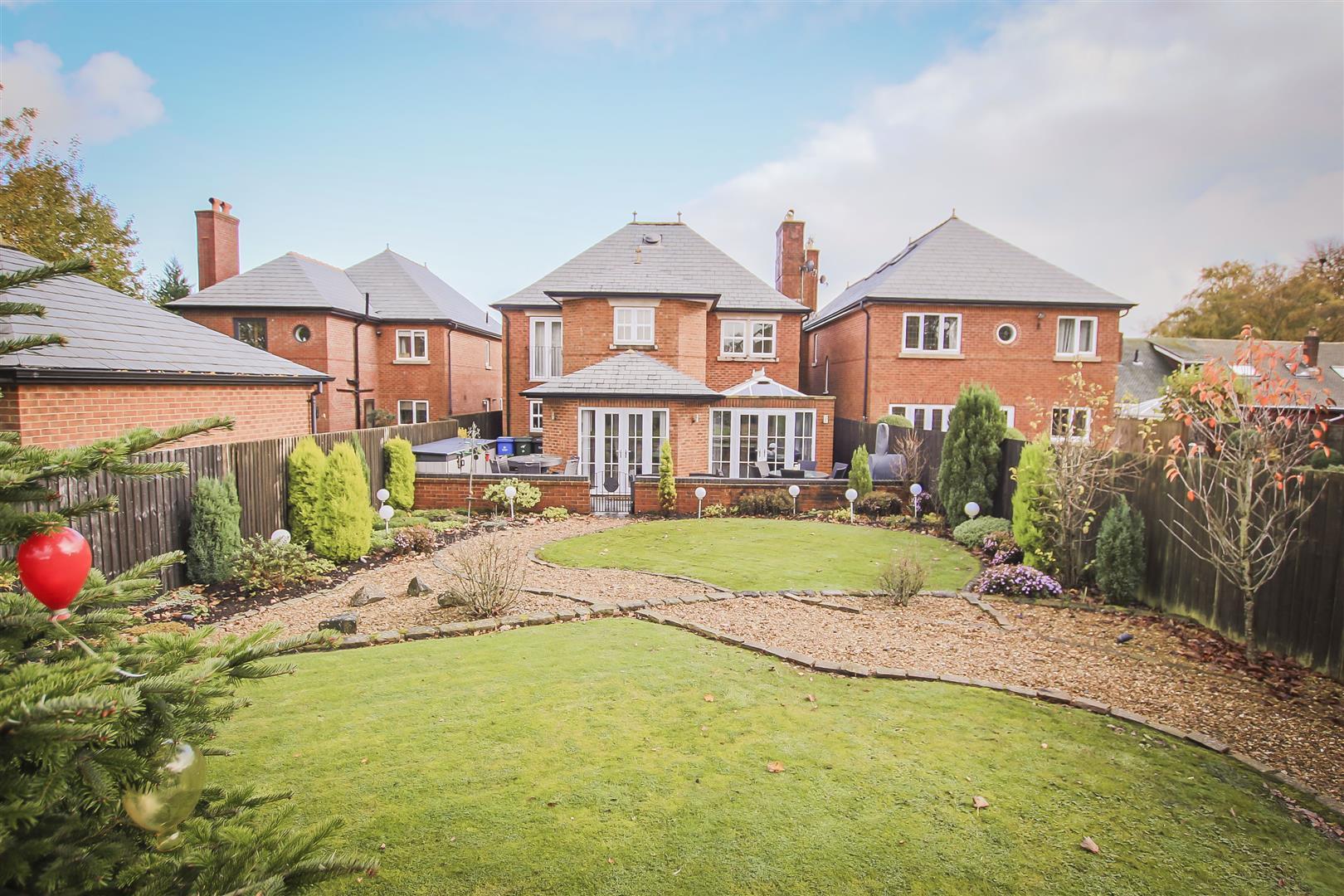 4 Bedroom Detached House For Sale - Rear Garden